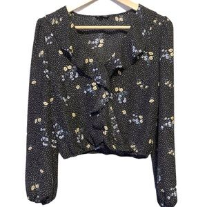 DYNAMITE   Floral v-neck ruffled crop blouse